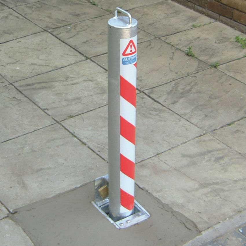 Retractapost Bollard for forecourts / pedestrian areas