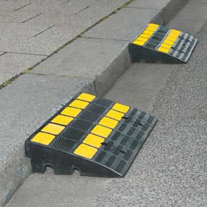 TRAFFIC-LINE Kerb Ramps With Yellow Reflective Strips