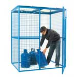 Lock Up Security Cages With Galvanised Roof
