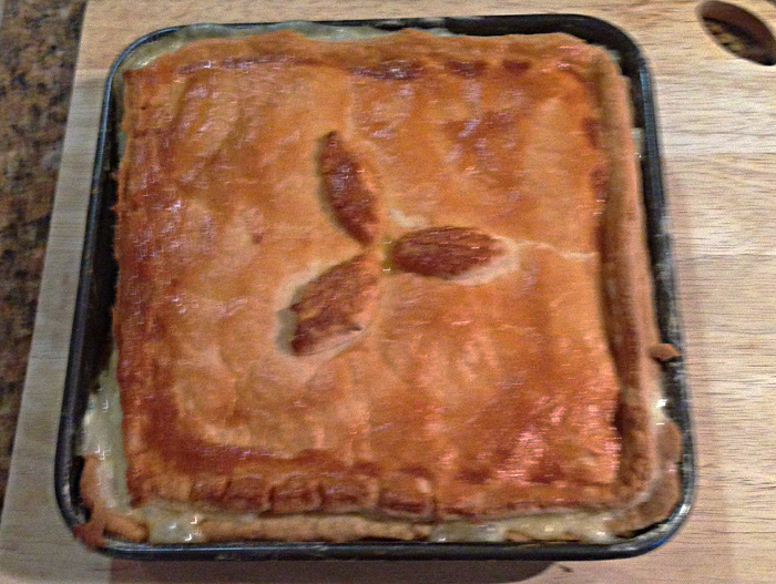 Chicken ham and leek pie
