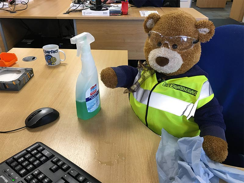Health and Safety Bear says, Keep your desk clean and tidy