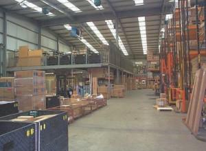 Narrow aisle pallet racking and bulk storage mezzanine floor