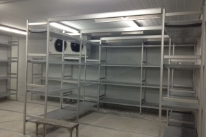 Aluminium_Shelving_in_Cake_factory_chiller