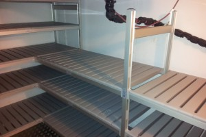Aluminium_Shelving_in_chiller1