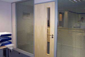 Double_Glazed_Partitioning_with_Blinds