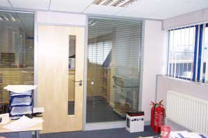 Double_Glazed_Partitions_with_Blinds