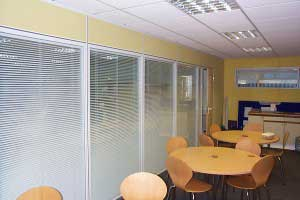 Double_Glazed_with_Blinds_Partitions