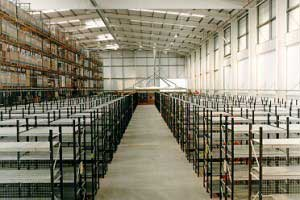 Longspan_Shelving_in_Warehouse