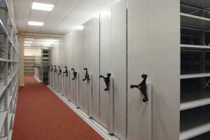 Mechanically_Operated_Stormor_Mobile_Shelving