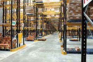 Pallet_Racking_with_Over_Aisle_Shelves