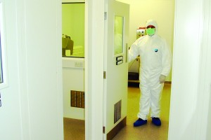 Titan_Cleanroom_Partitions_3