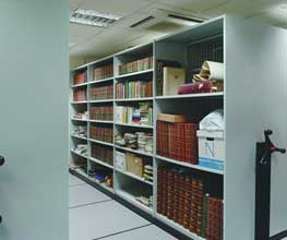 Mobile shelving installations