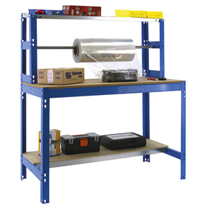 Packing workstation with roller for packaging materials